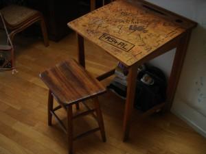 46歳の机と椅子