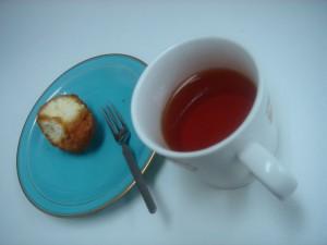 あったかい紅茶とお菓子