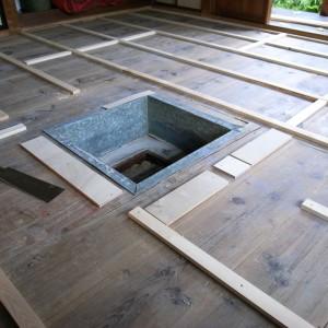 床の下地の工事。