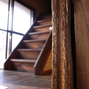 やさしい家には様々な痕跡が残されている。
